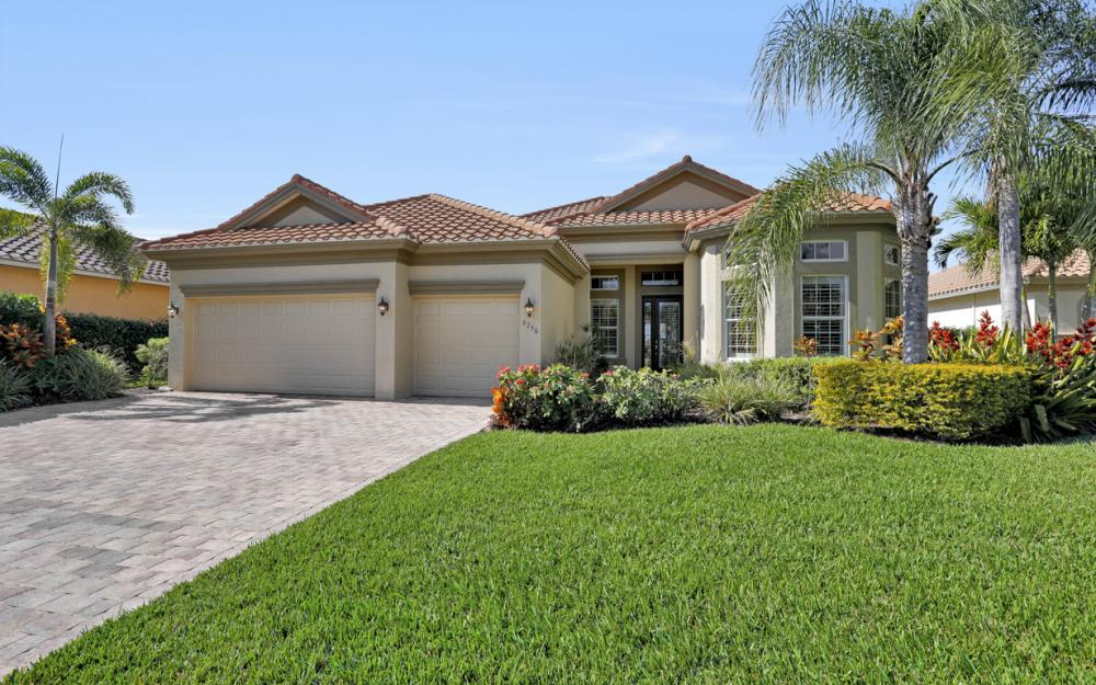 9750 Nickel Ridge Cir, Naples - Home For Sale 1780984816