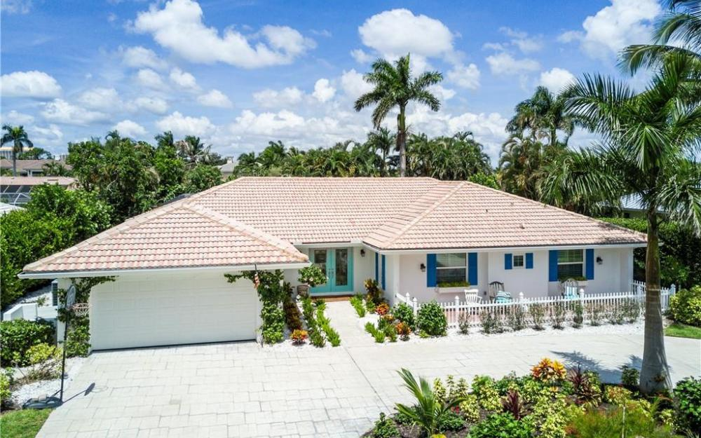 571 Neapolitan Ln, Naples - Home For Sale 473238072