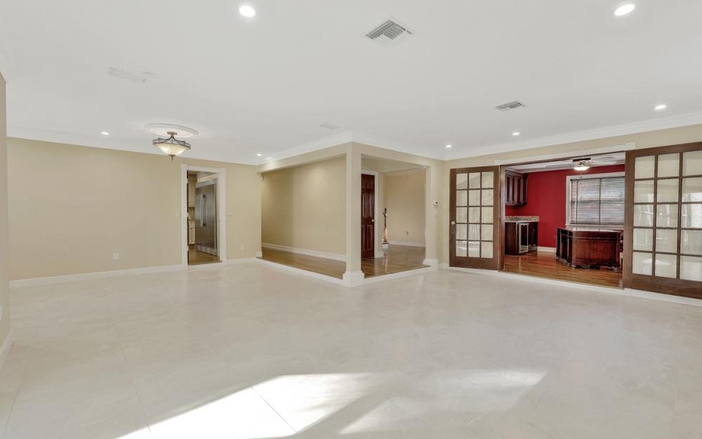 16200 Forest Oaks Dr, Fort Myers - Home For Sale 351872826