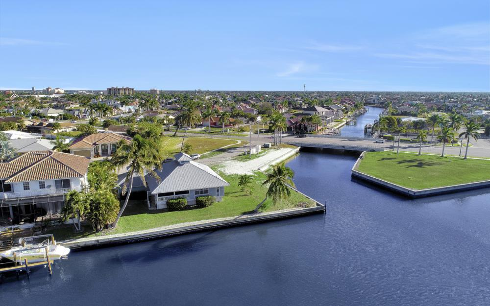 358 Century Dr, Marco Island - Home For Sale 571335797