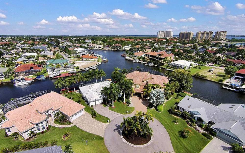 1504 SW 57th St, Cape Coral - Home For Sale 808066325
