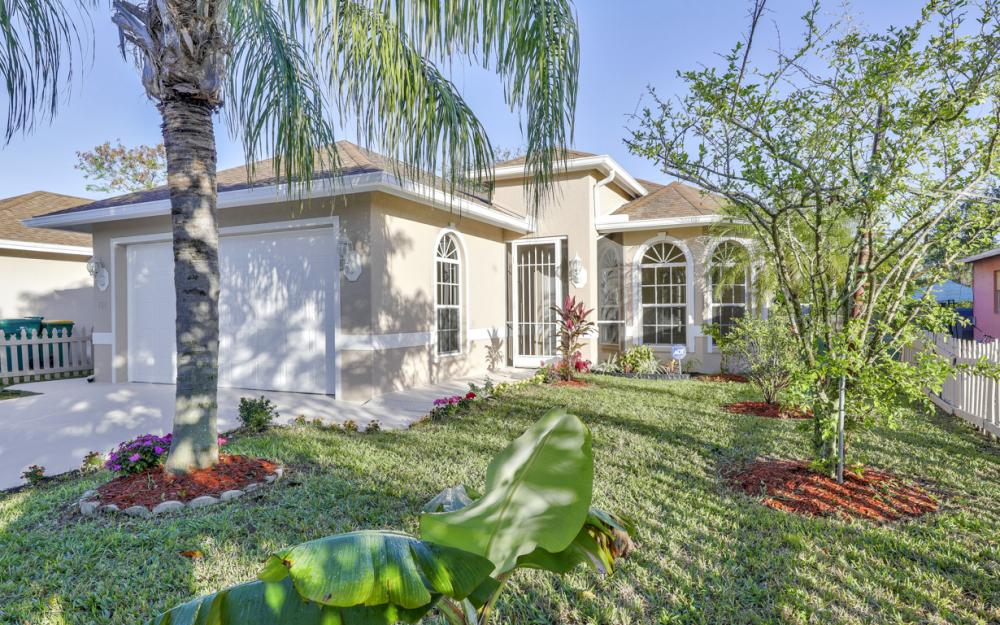 727 110th Ave N, Naples - Home For Sale 119033751