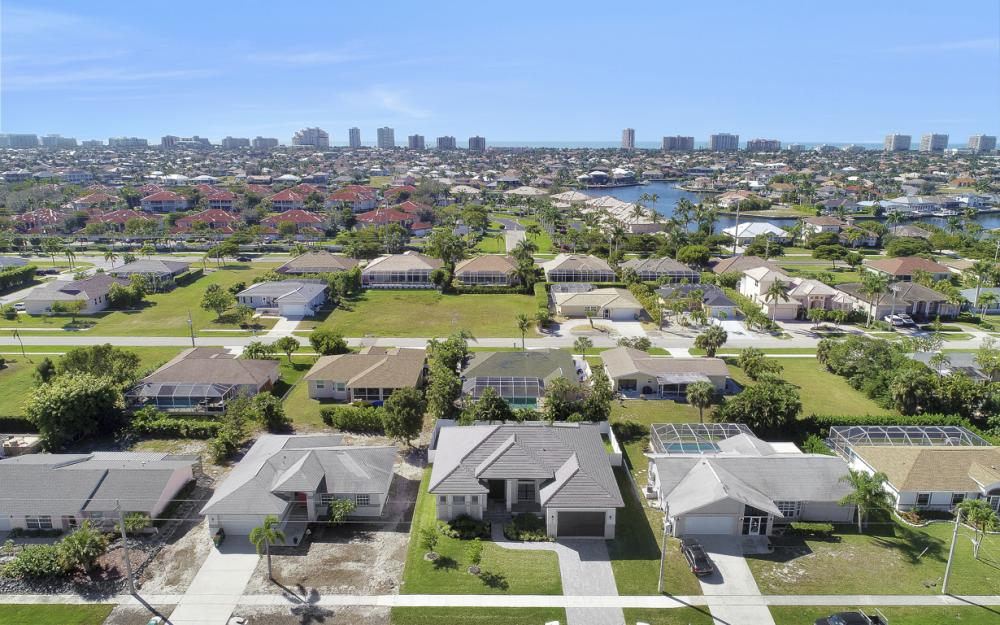230 Bermuda Rd, Marco Island - Home For Sale 1950801552