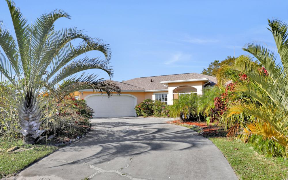 427 NW 8th Ter, Cape Coral - Home For Sale 576926939