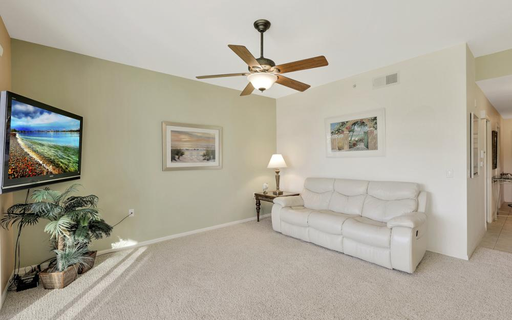 16655 Lake Circle Dr #818, Fort Myers - Condo For Sale 1143549406