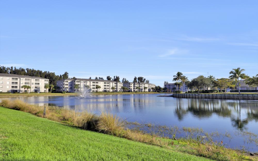 16655 Lake Circle Dr #818, Fort Myers - Condo For Sale 1394297227