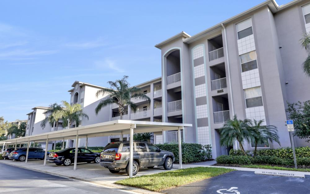 16655 Lake Circle Dr #818, Fort Myers - Condo For Sale 1659102015