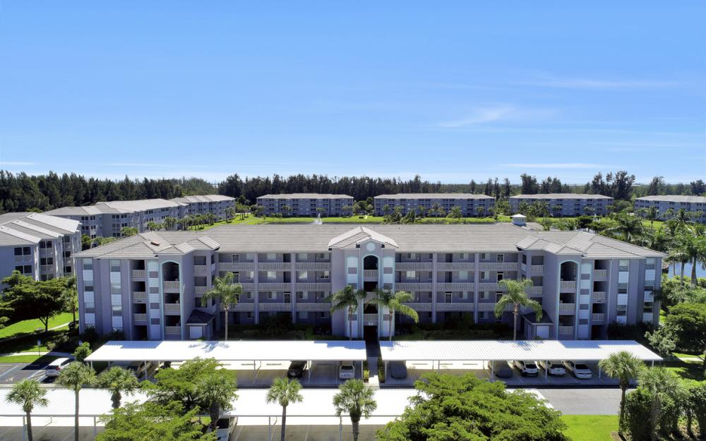 16655 Lake Circle Dr #818, Fort Myers - Condo For Sale 869187833