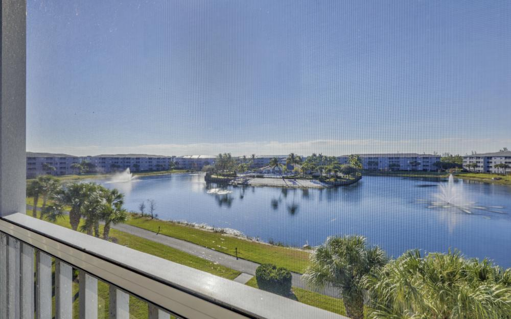 16635 Lake Circle Dr #641, Fort Myers - Condo For Sale 437903382
