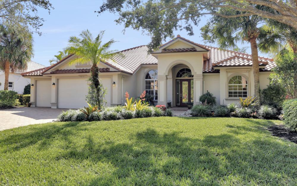 9881 Clear Lake Cir, Naples - Home For Sale 678365918