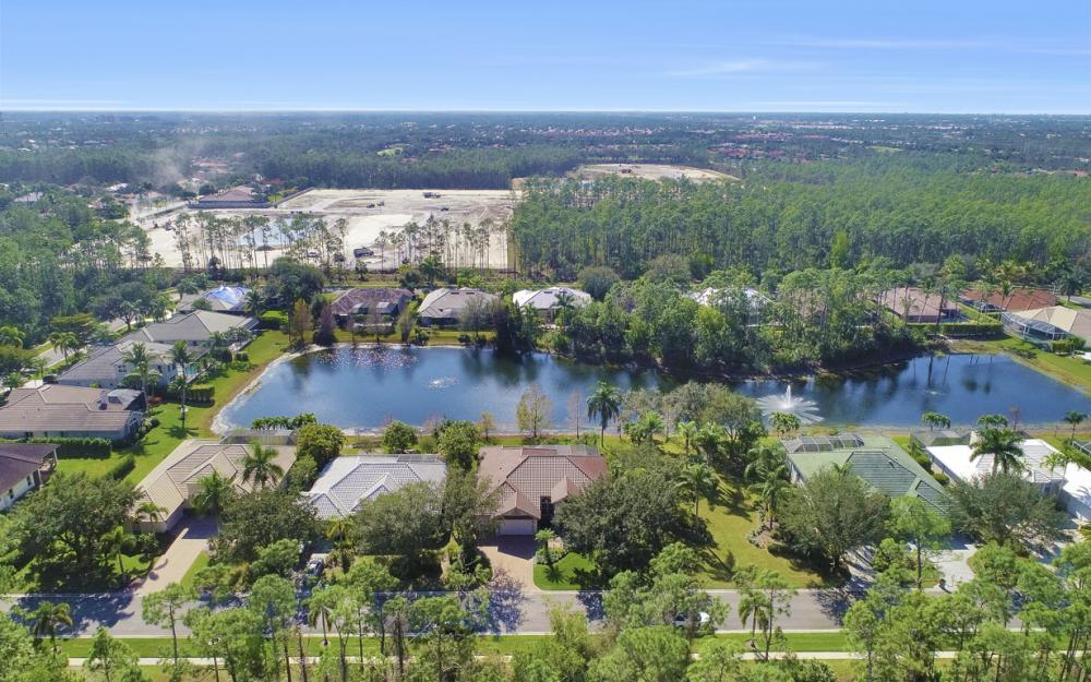9881 Clear Lake Cir, Naples - Home For Sale 486466686