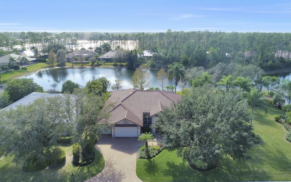 9881 Clear Lake Cir, Naples - Home For Sale 2128116893