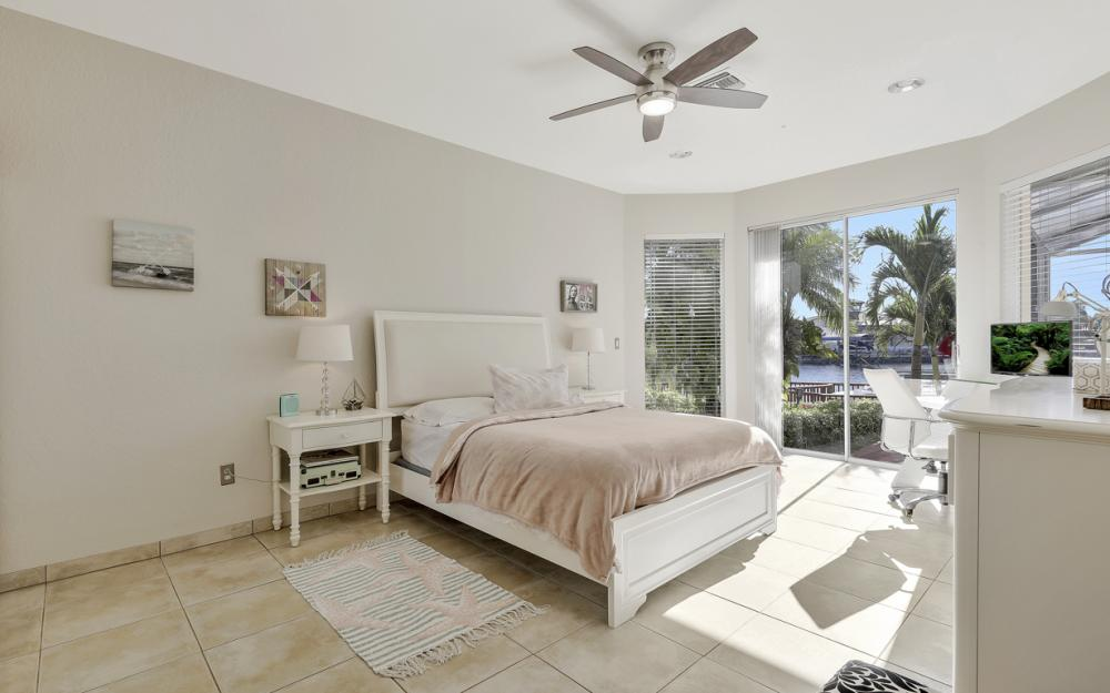 1702 SW 53rd Ln, Cape Coral - Home For Sale 635746582