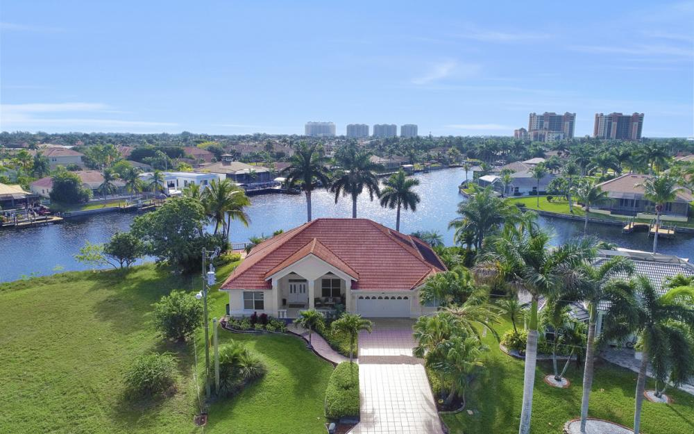1702 SW 53rd Ln, Cape Coral - Home For Sale 51383464