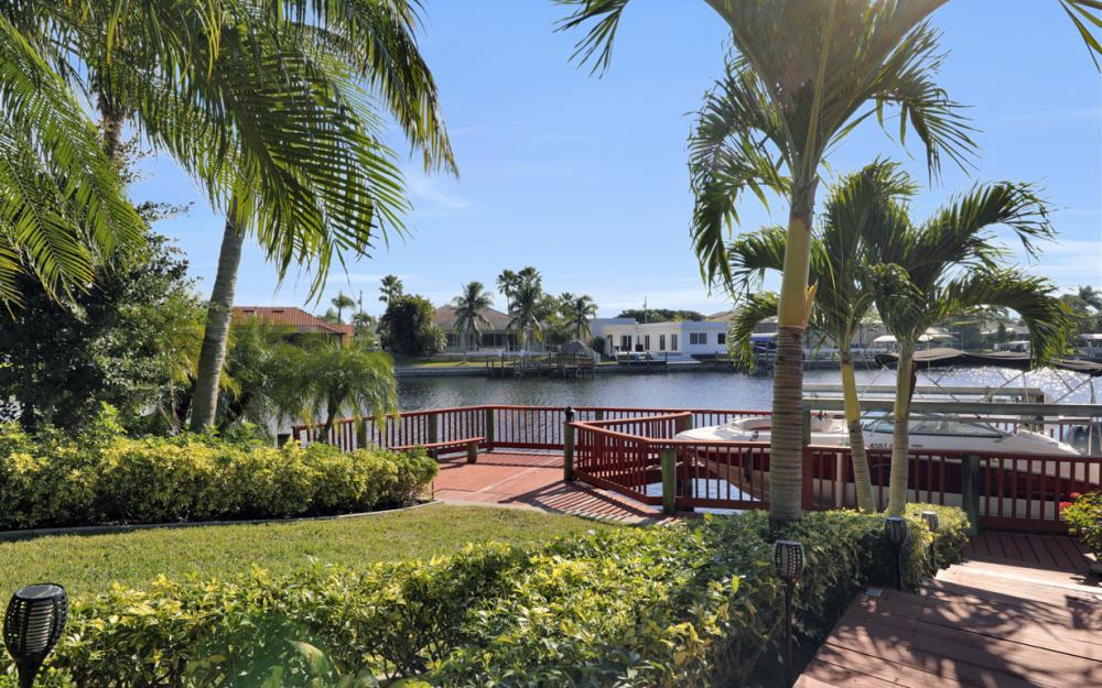 1702 SW 53rd Ln, Cape Coral - Home For Sale 521562876