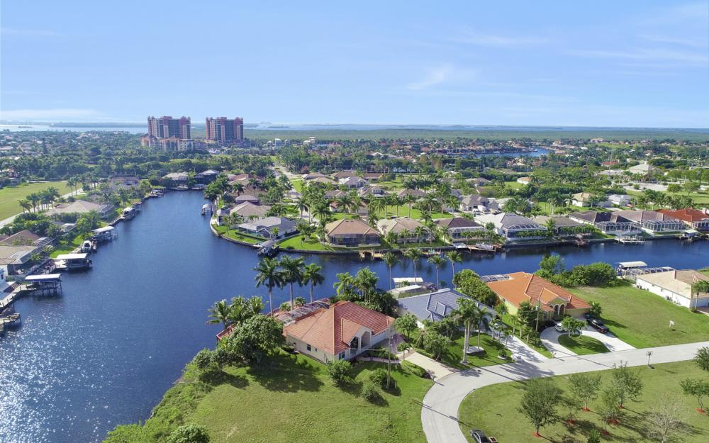 1702 SW 53rd Ln, Cape Coral - Home For Sale 712920444