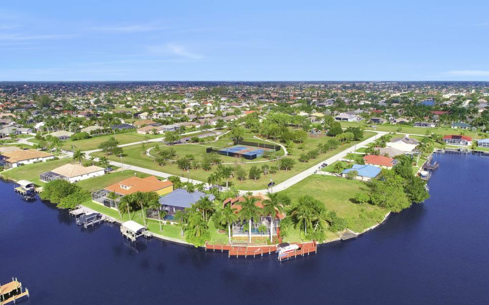 1702 SW 53rd Ln, Cape Coral - Home For Sale 1640242246