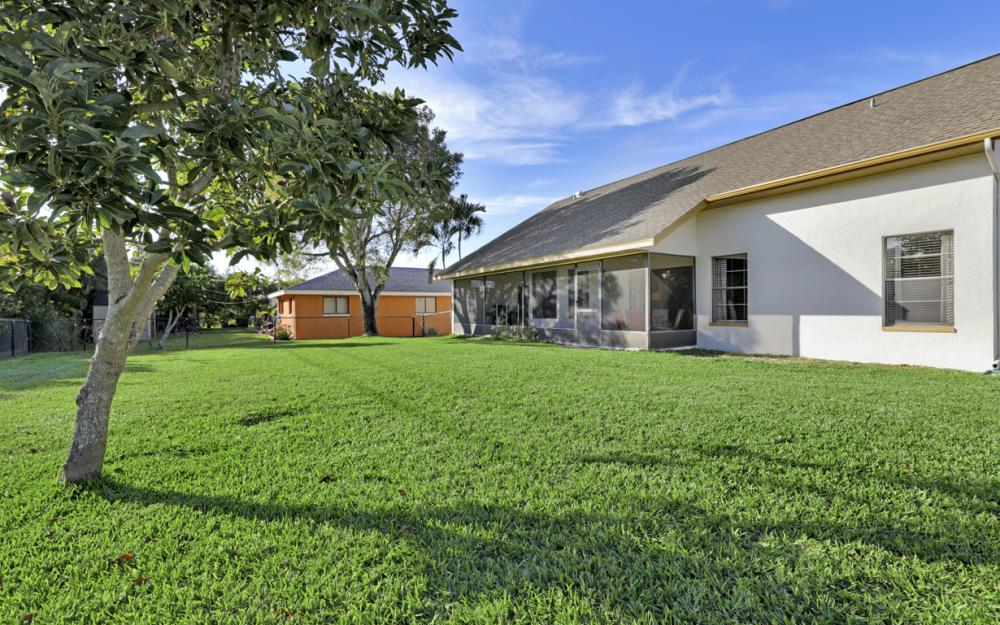626 Gleason Pkwy, Cape Coral - Home For Sale 2053632655