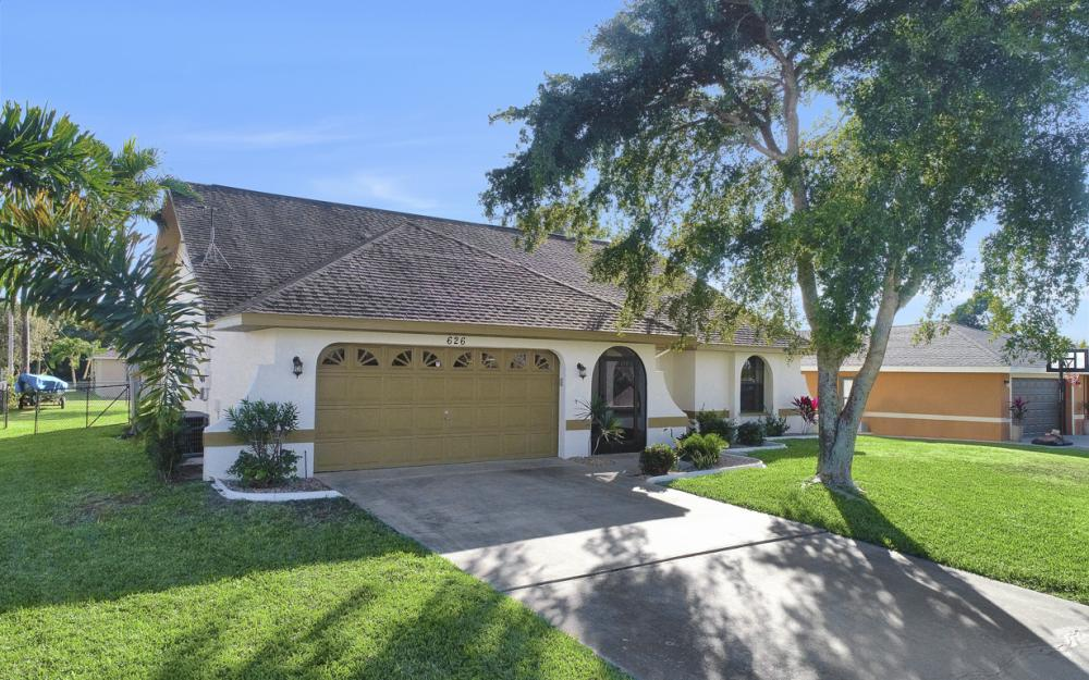 626 Gleason Pkwy, Cape Coral - Home For Sale 137294331