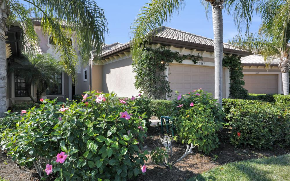 7457 Moorgate point Way, Naples - Home For Sale 2044479003