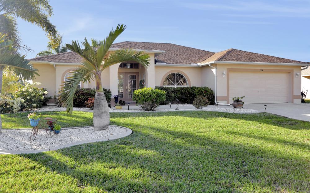 204 SE 15th Pl Cape Coral - Home For Sale 1267078545