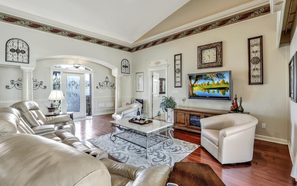 220 Beachcomber St, Marco Island - Home For Sale 428871051
