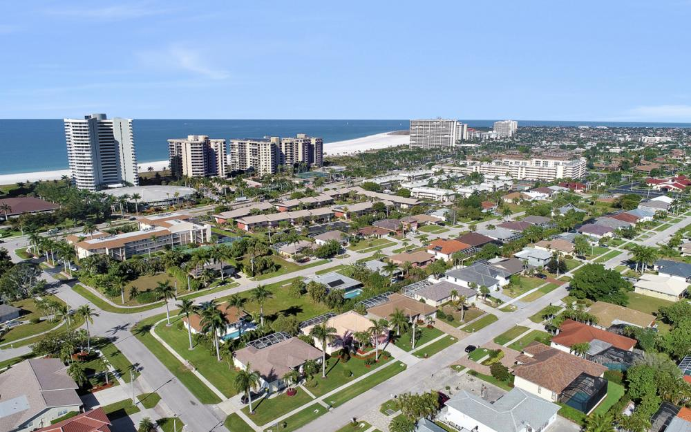 220 Beachcomber St, Marco Island - Home For Sale 673582404