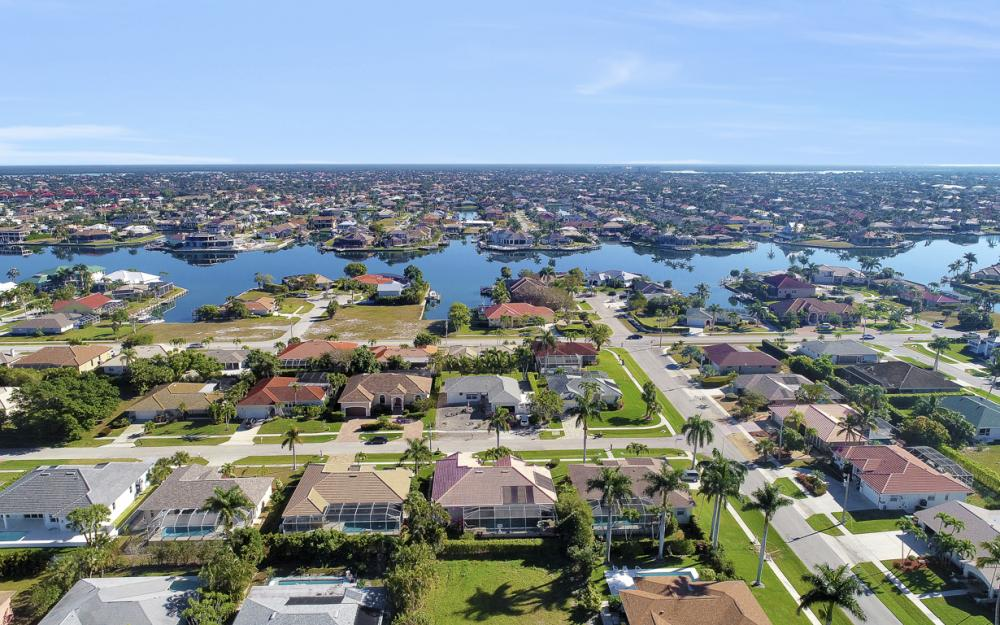 220 Beachcomber St, Marco Island - Home For Sale 1918280577