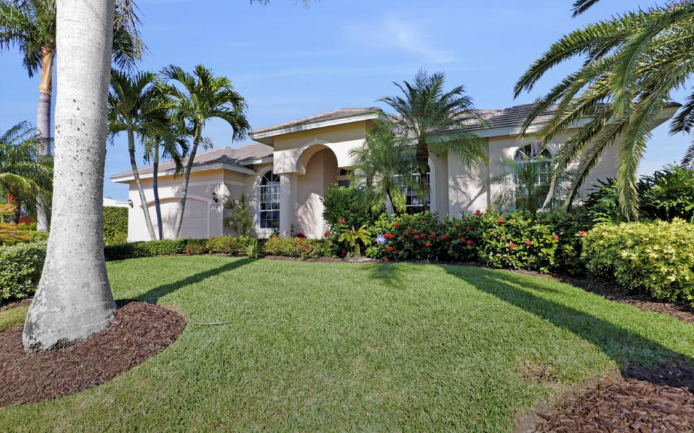 383 Wales Ct, Marco Island - Home For Sale 404501224