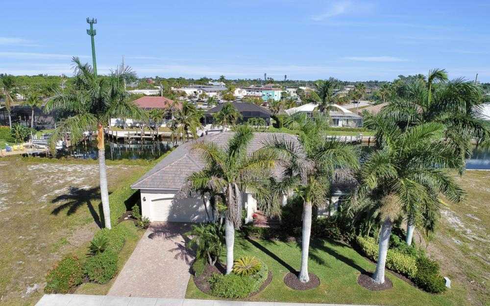 383 Wales Ct, Marco Island - Home For Sale 440783203