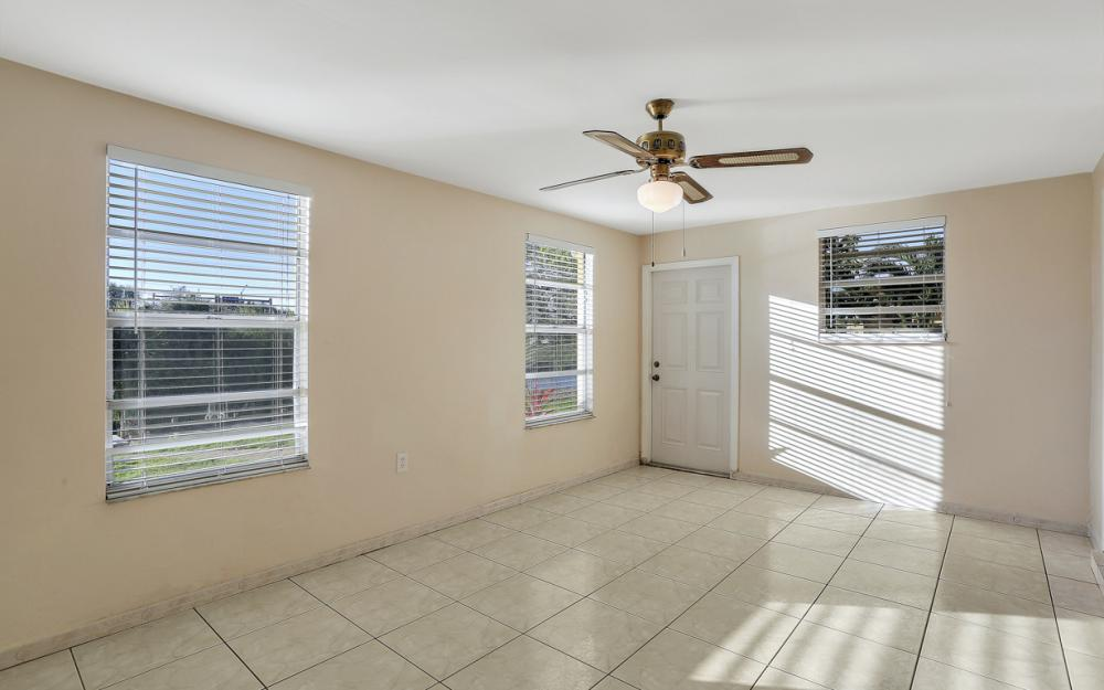3316 SE 16th Pl Cape Coral - Home For Sale 376496637