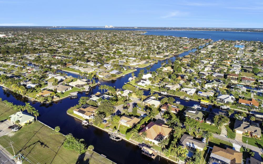 3316 SE 16th Pl Cape Coral - Home For Sale 1171643904