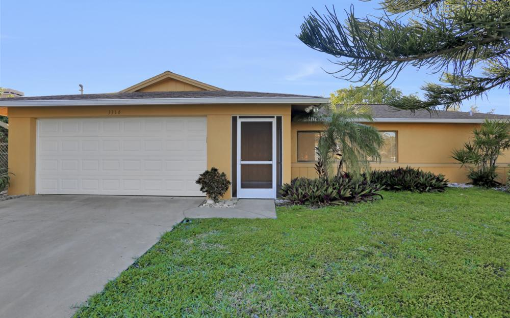 3316 SE 16th Pl Cape Coral - Home For Sale 2123330830