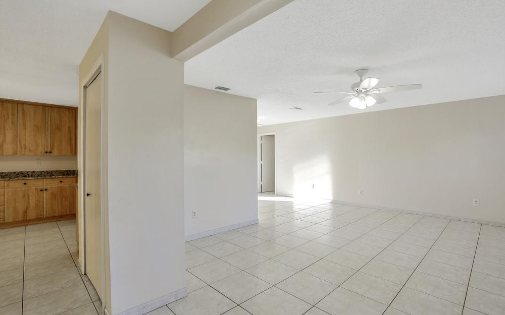 3316 SE 16th Pl Cape Coral - Home For Sale 1069347983