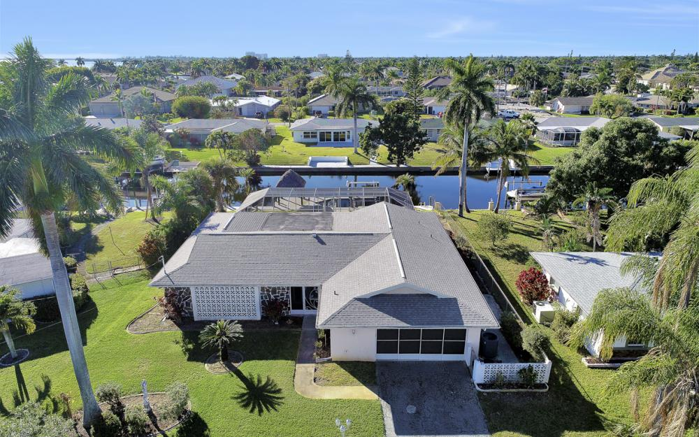 5618 Delido Ct, Cape Coral - Home For Sale 409947464
