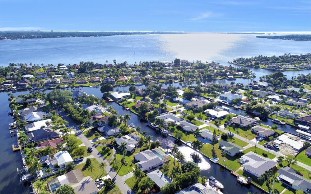 5618 Delido Ct, Cape Coral - Home For Sale 302727304