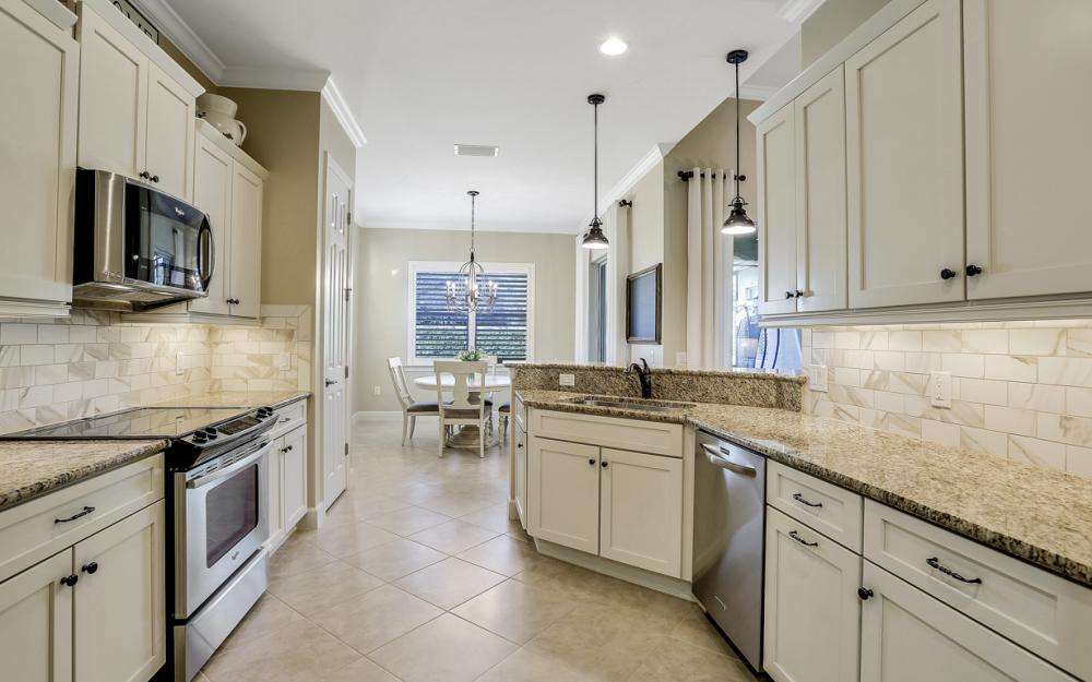 10563 Yorkstone Dr, Bonita Springs - Home For Sale 484878651