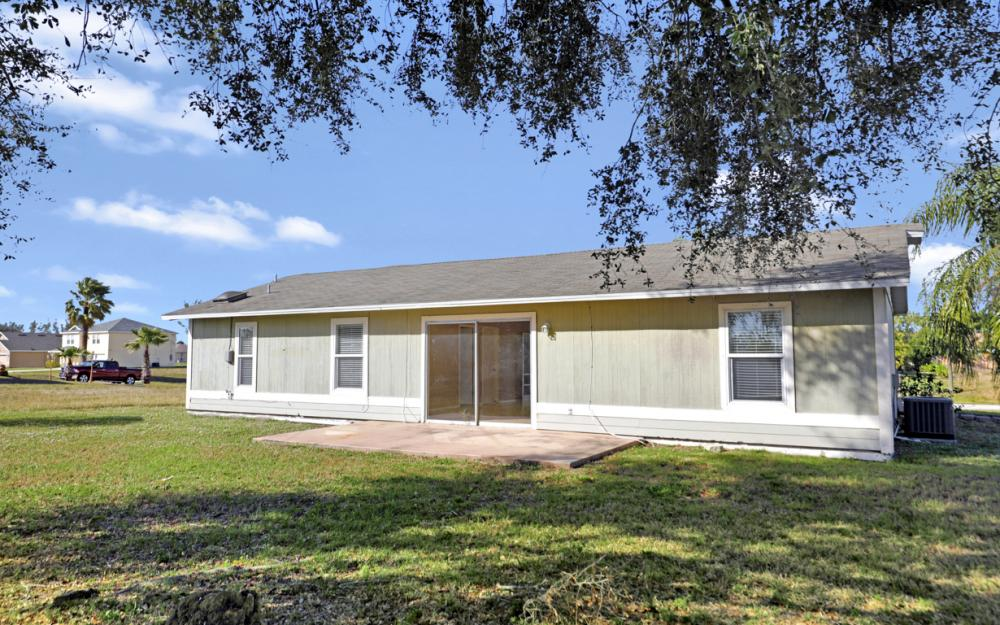 1206 SW 29th St, Cape Coral - Home For Sale 886122799