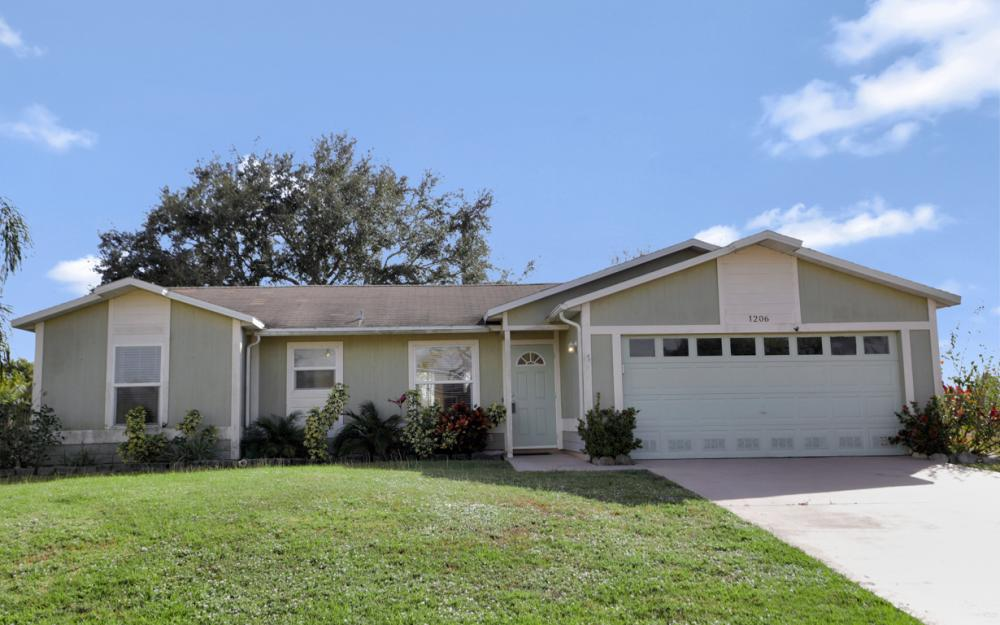 1206 SW 29th St, Cape Coral - Home For Sale 155132866