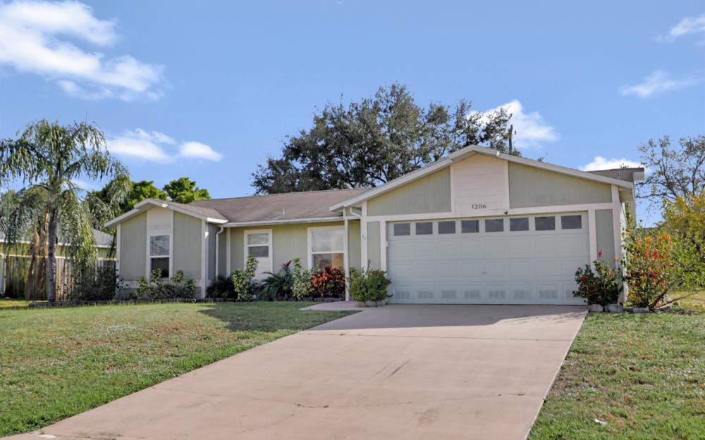 1206 SW 29th St, Cape Coral - Home For Sale 824805093