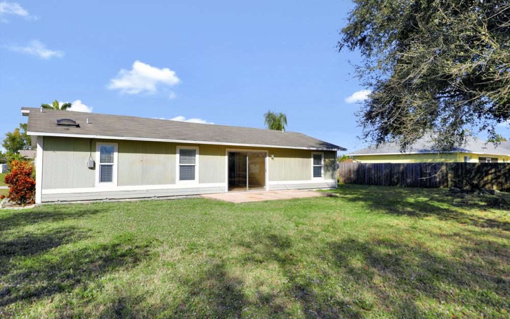 1206 SW 29th St, Cape Coral - Home For Sale 2142372649