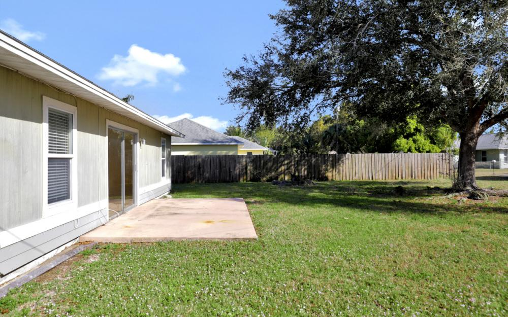 1206 SW 29th St, Cape Coral - Home For Sale 558744642