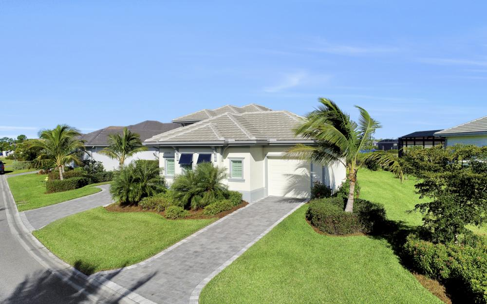 17298 Hidden Estates Cir, Fort Myers - Home For Sale 225088037