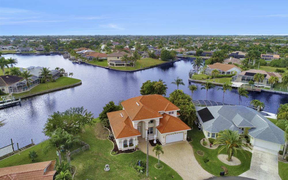 2001 SE 21st St Cape Coral - Home For Sale 821344497