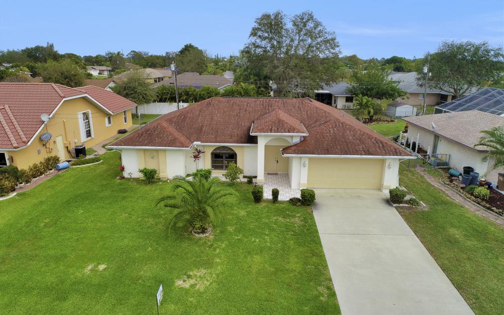 325 SE 21st Ave, Cape Coral - Home For Sale 51717367