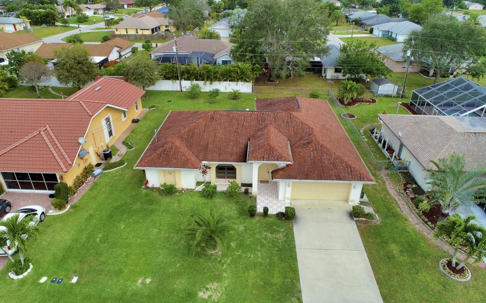 325 SE 21st Ave, Cape Coral - Home For Sale 1215788336