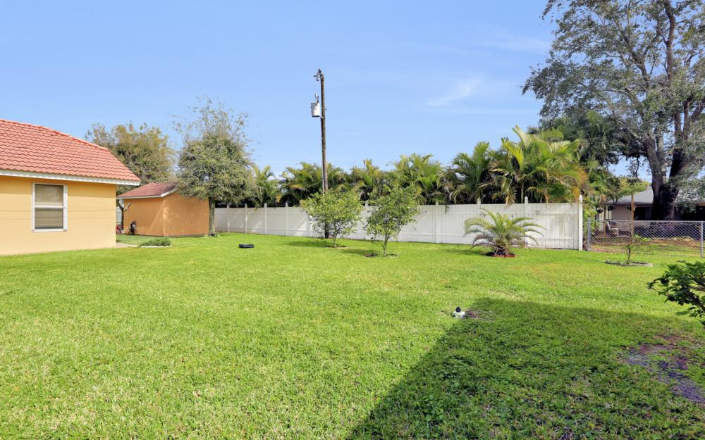 325 SE 21st Ave, Cape Coral - Home For Sale 1337157080