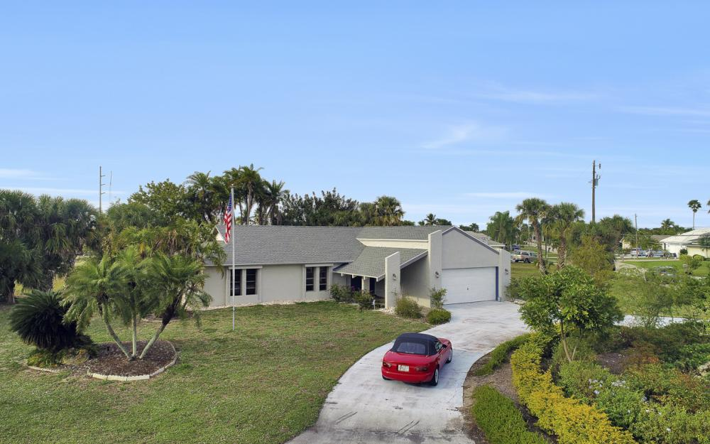 1613 Savona Pkwy, Cape Coral - Home For Sale 770144876
