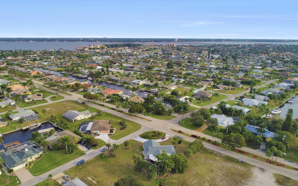 1613 Savona Pkwy, Cape Coral - Home For Sale 1662911742