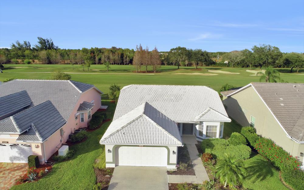 9241 Old Hickory Cir, Fort Myers - Home For Sale 115347086